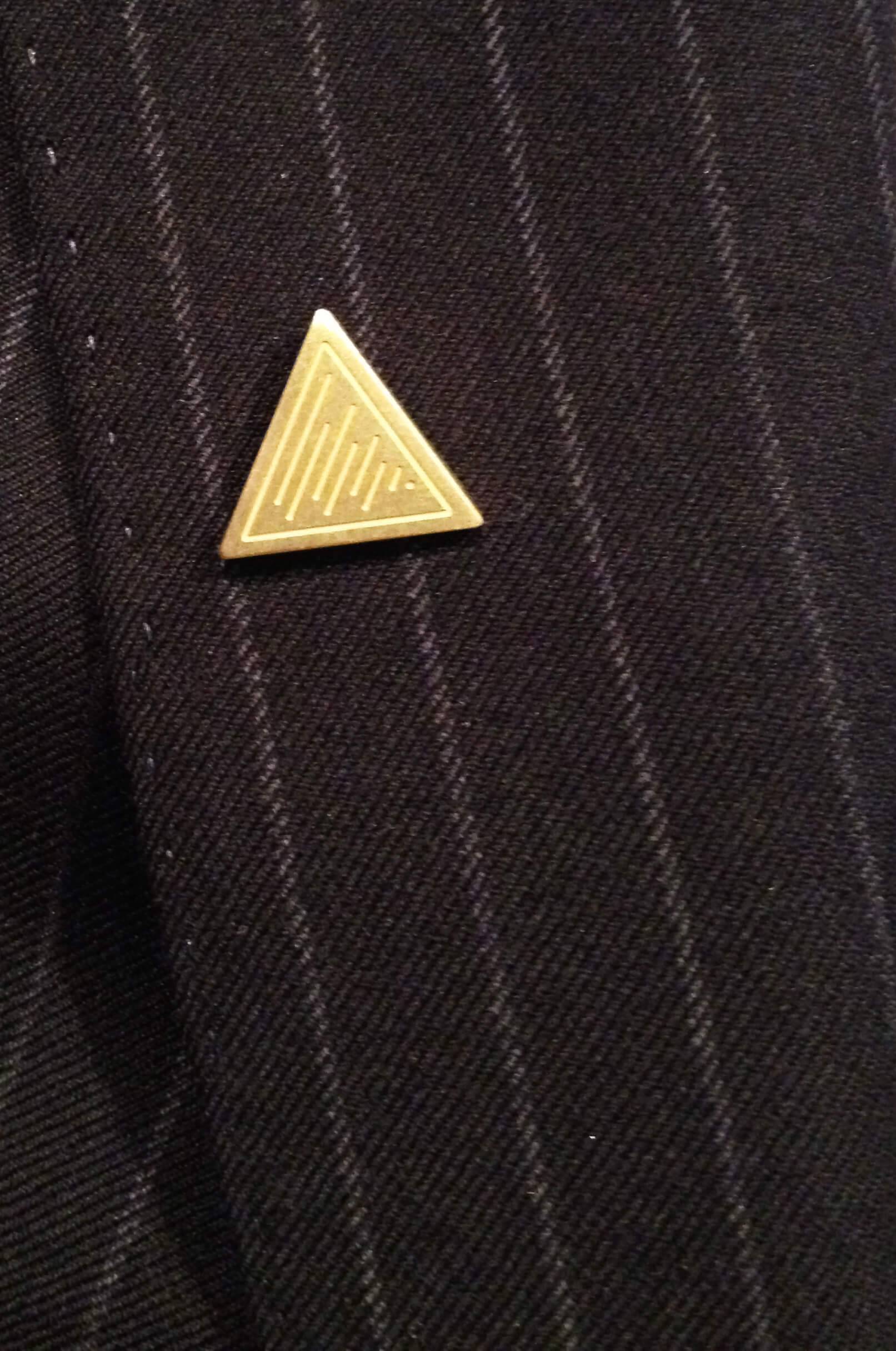 LOFT PIN BADGE